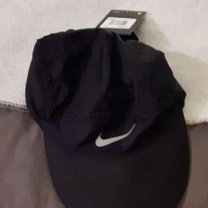 Womens Nike Golf hat